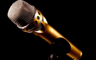 microphone-2763602_1920